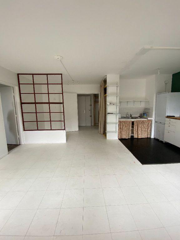 Appartement à louer 2 47.97m2 à Bagnolet vignette-3