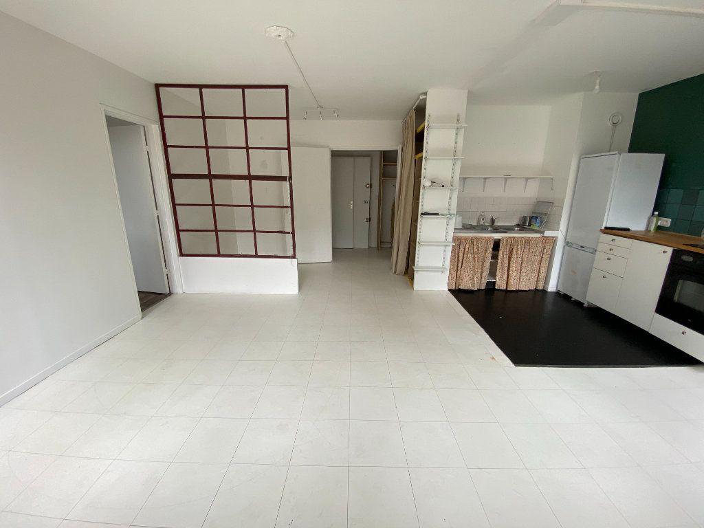 Appartement à louer 2 47.97m2 à Bagnolet vignette-4
