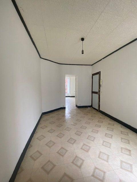 Appartement à louer 2 30m2 à Saint-Denis vignette-1