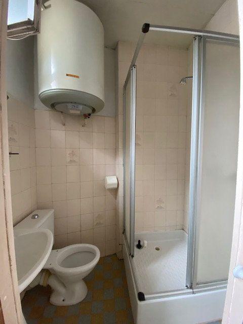Appartement à louer 2 30m2 à Saint-Denis vignette-3