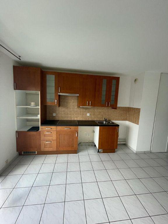 Appartement à louer 2 40m2 à Pierrefitte-sur-Seine vignette-1