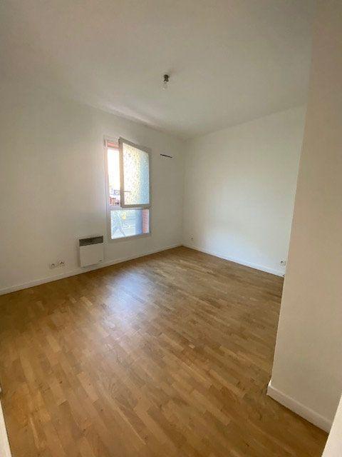 Appartement à louer 4 74m2 à Saint-Denis vignette-6