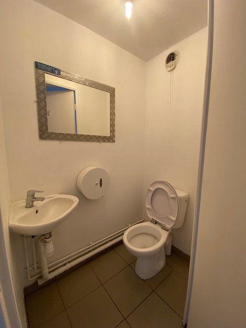 Appartement à louer 4 74m2 à Saint-Denis vignette-11