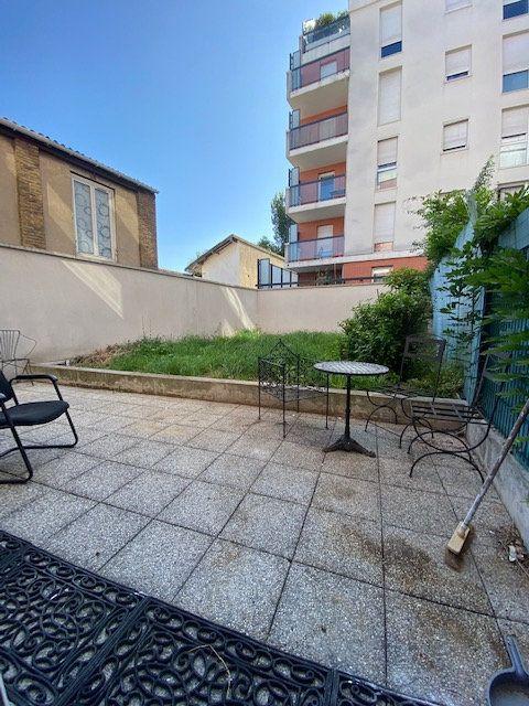 Appartement à louer 4 74m2 à Saint-Denis vignette-12
