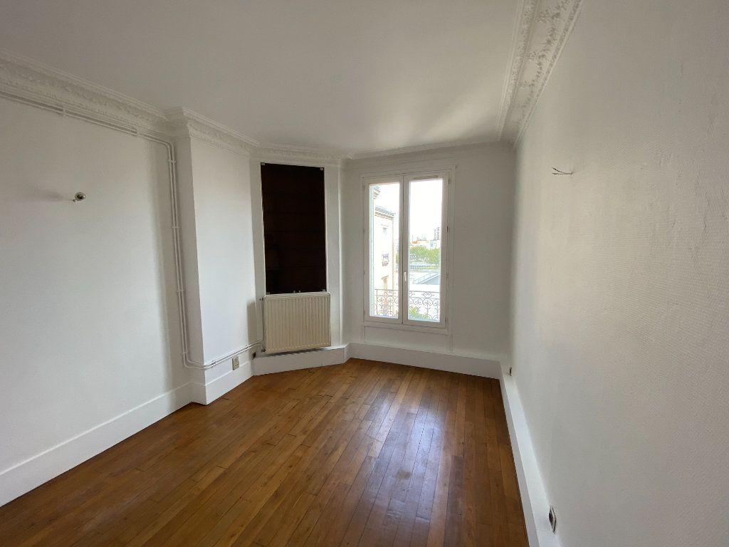 Appartement à louer 2 38m2 à Pantin vignette-3