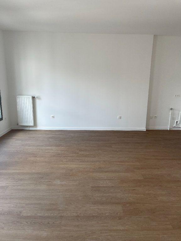 Appartement à louer 2 50m2 à Saint-Denis vignette-1