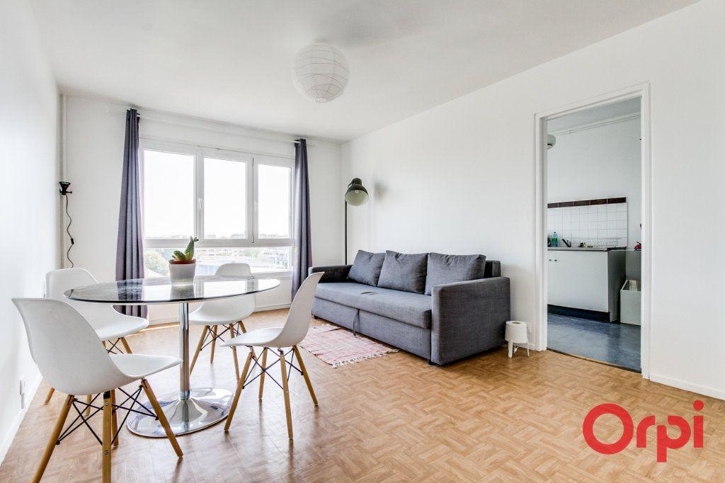Appartement à louer 2 50m2 à Bagnolet vignette-1
