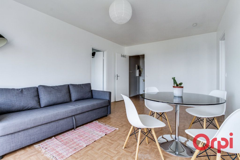 Appartement à louer 2 50m2 à Bagnolet vignette-3