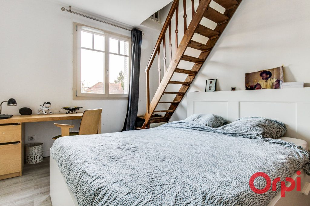 Maison à louer 4 64m2 à Stains vignette-5