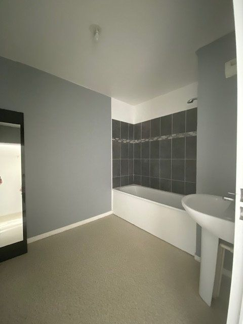 Appartement à louer 3 67m2 à Saint-Denis vignette-4