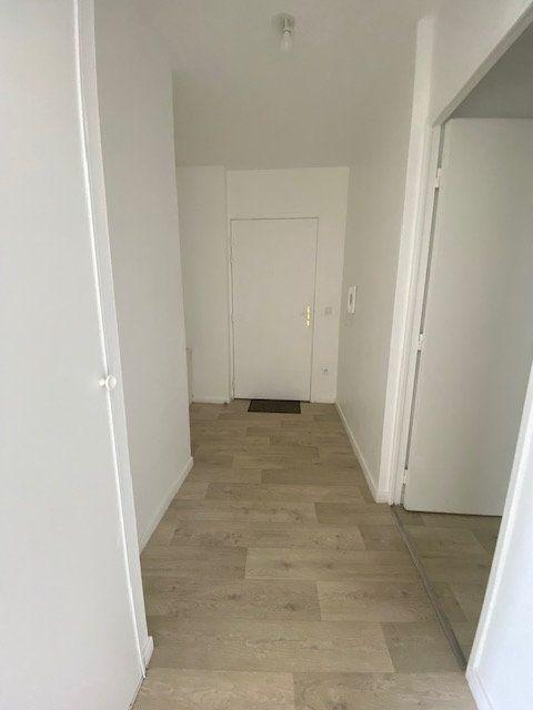 Appartement à louer 3 67m2 à Saint-Denis vignette-9