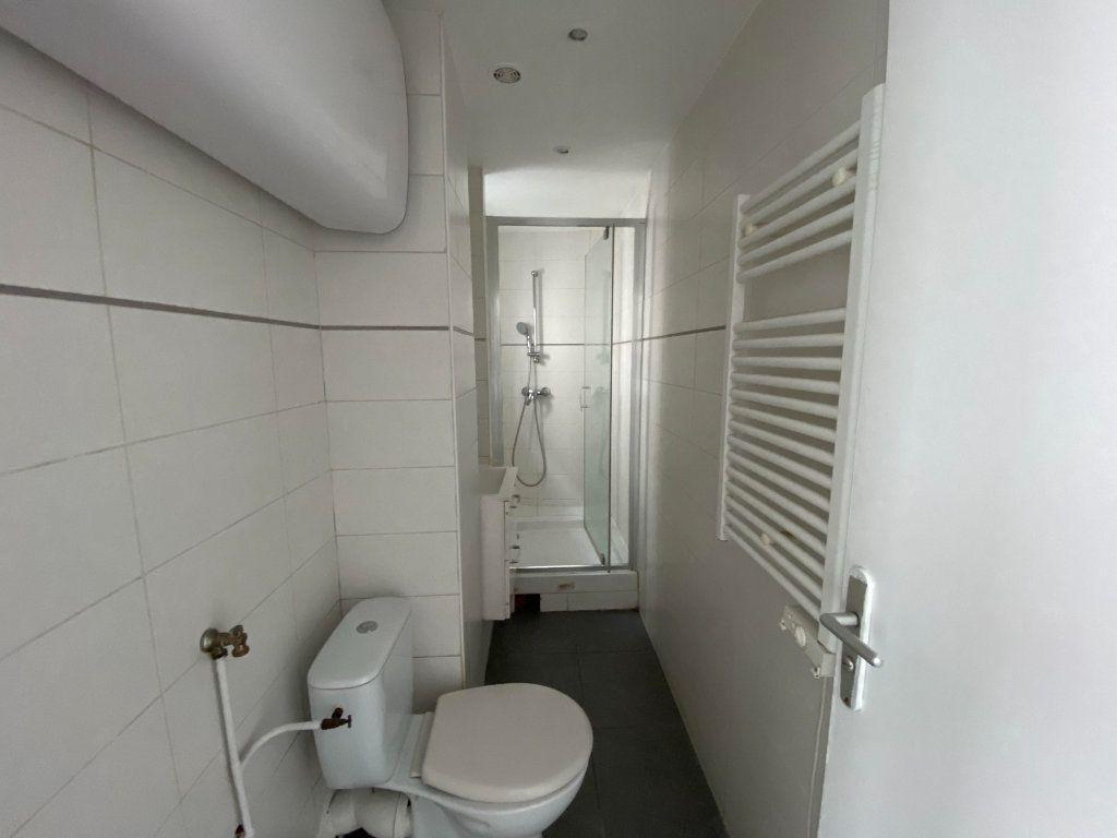 Appartement à louer 3 39m2 à Pantin vignette-4