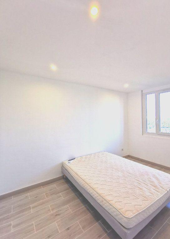 Appartement à louer 2 41.85m2 à Saint-Denis vignette-6