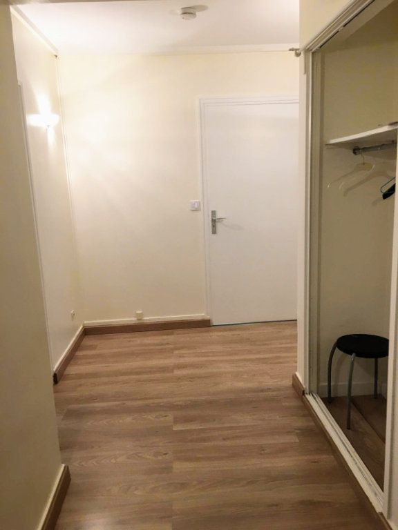Appartement à louer 2 56.32m2 à Saint-Denis vignette-4