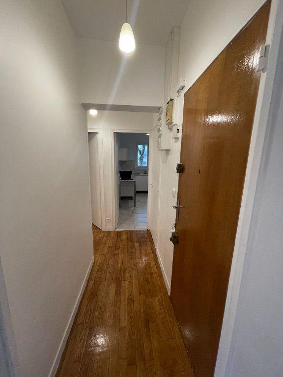 Appartement à louer 2 41m2 à Bagnolet vignette-2