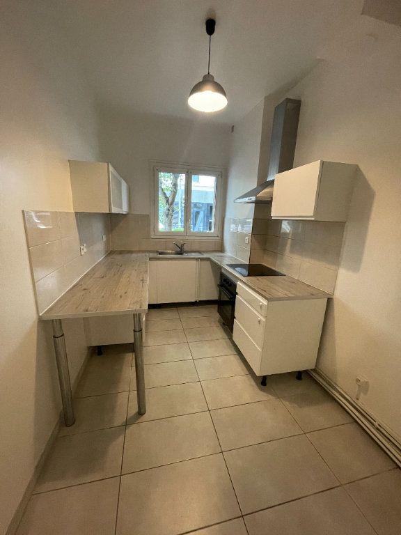 Appartement à louer 2 41m2 à Bagnolet vignette-4