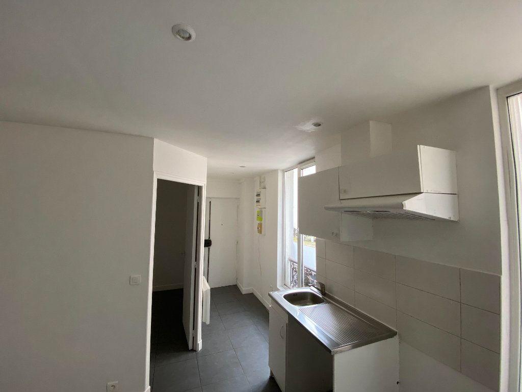 Appartement à louer 3 39m2 à Pantin vignette-1