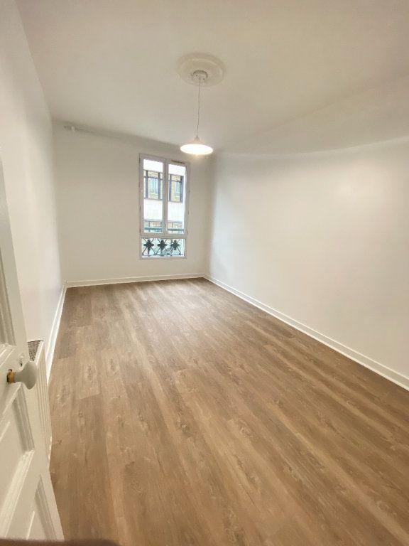 Appartement à louer 2 34m2 à Saint-Ouen vignette-1