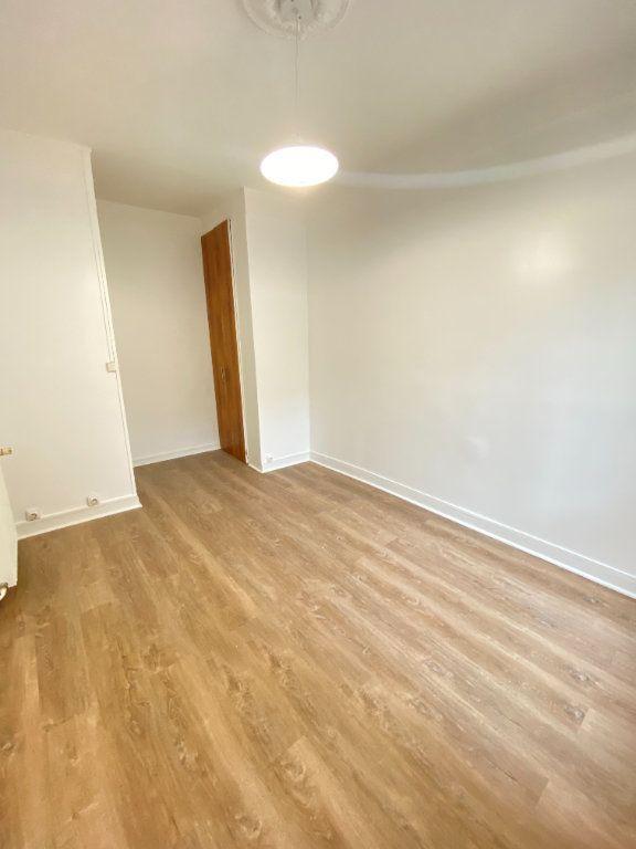 Appartement à louer 2 34m2 à Saint-Ouen vignette-2