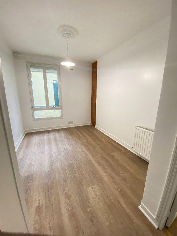 Appartement à louer 2 34m2 à Saint-Ouen vignette-3