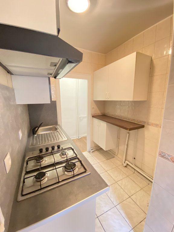 Appartement à louer 2 34m2 à Saint-Ouen vignette-4