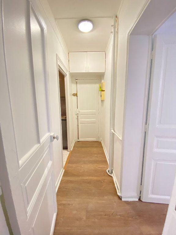 Appartement à louer 2 34m2 à Saint-Ouen vignette-5