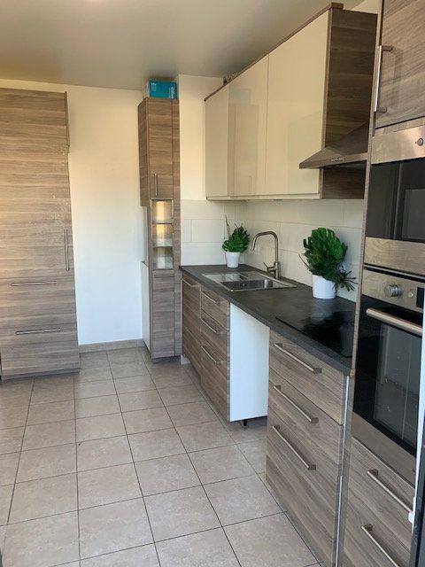Appartement à vendre 3 65m2 à Aubervilliers vignette-3