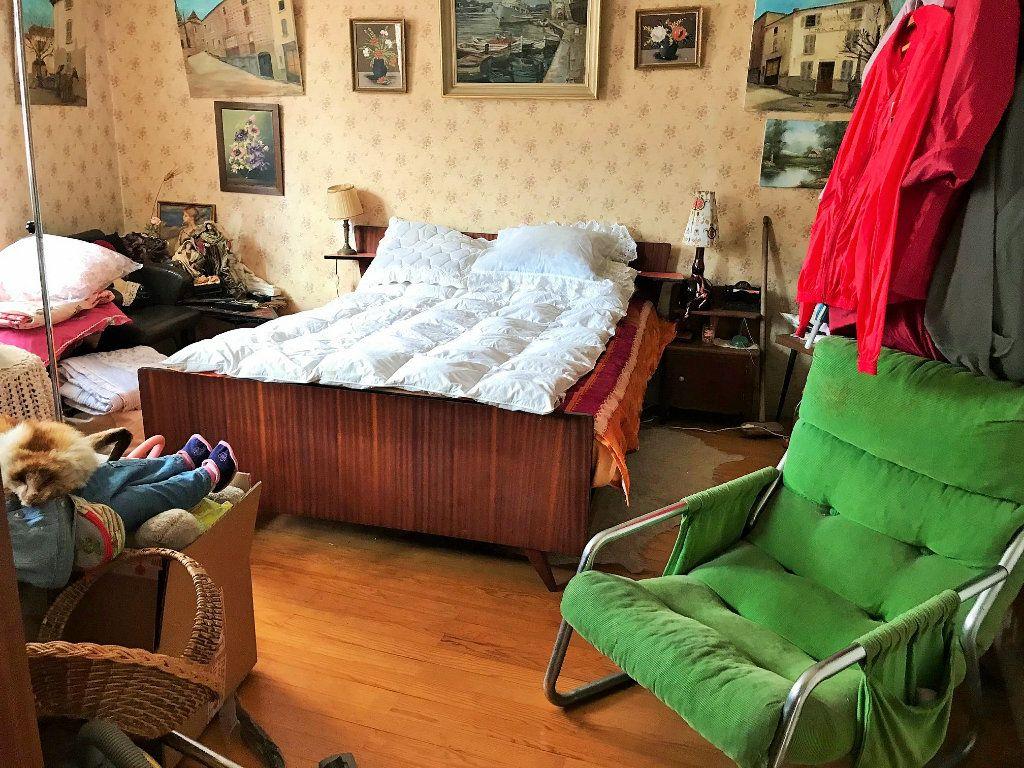 Maison à vendre 5 135m2 à Saint-Just-d'Avray vignette-5