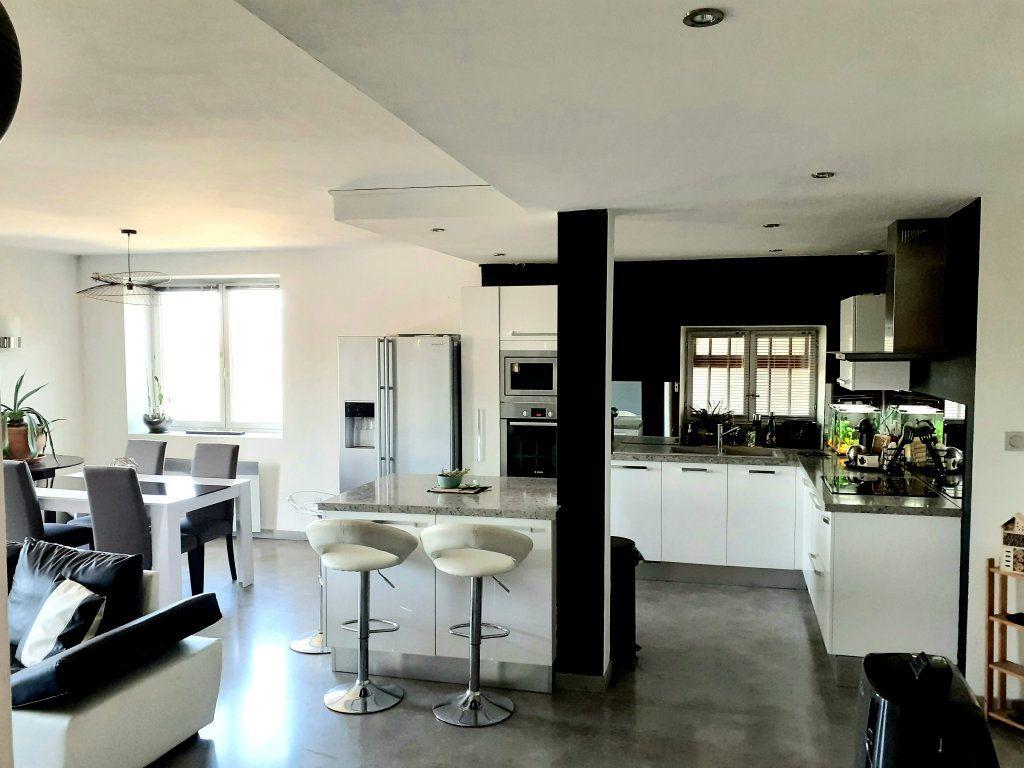 Appartement à vendre 5 120m2 à Le Bois-d'Oingt vignette-3