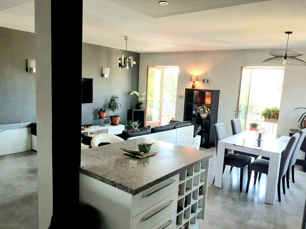 Appartement à vendre 5 120m2 à Le Bois-d'Oingt vignette-4