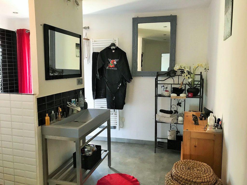 Appartement à vendre 5 120m2 à Le Bois-d'Oingt vignette-9
