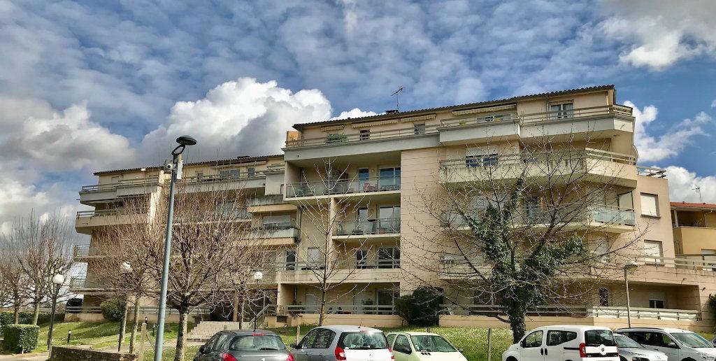 Appartement à vendre 4 84.6m2 à Lozanne vignette-1