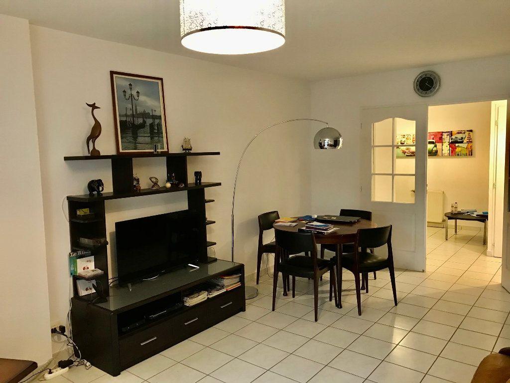 Appartement à vendre 4 84.6m2 à Lozanne vignette-4