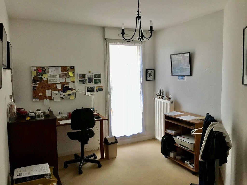 Appartement à vendre 4 84.6m2 à Lozanne vignette-6