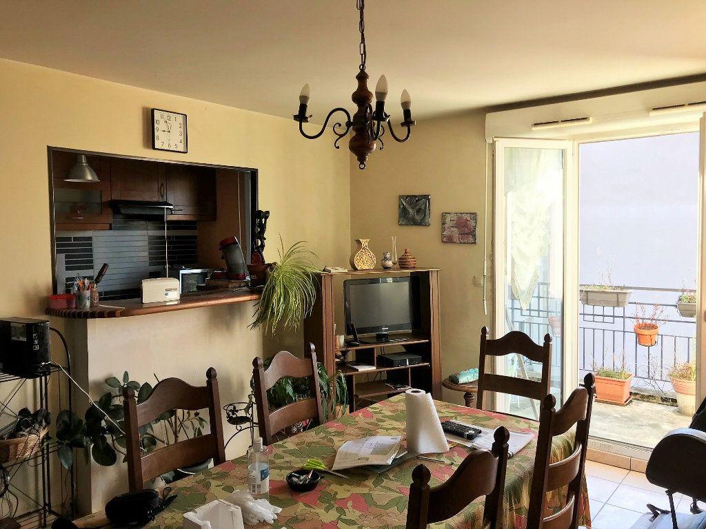 Appartement à vendre 3 67m2 à Lozanne vignette-2