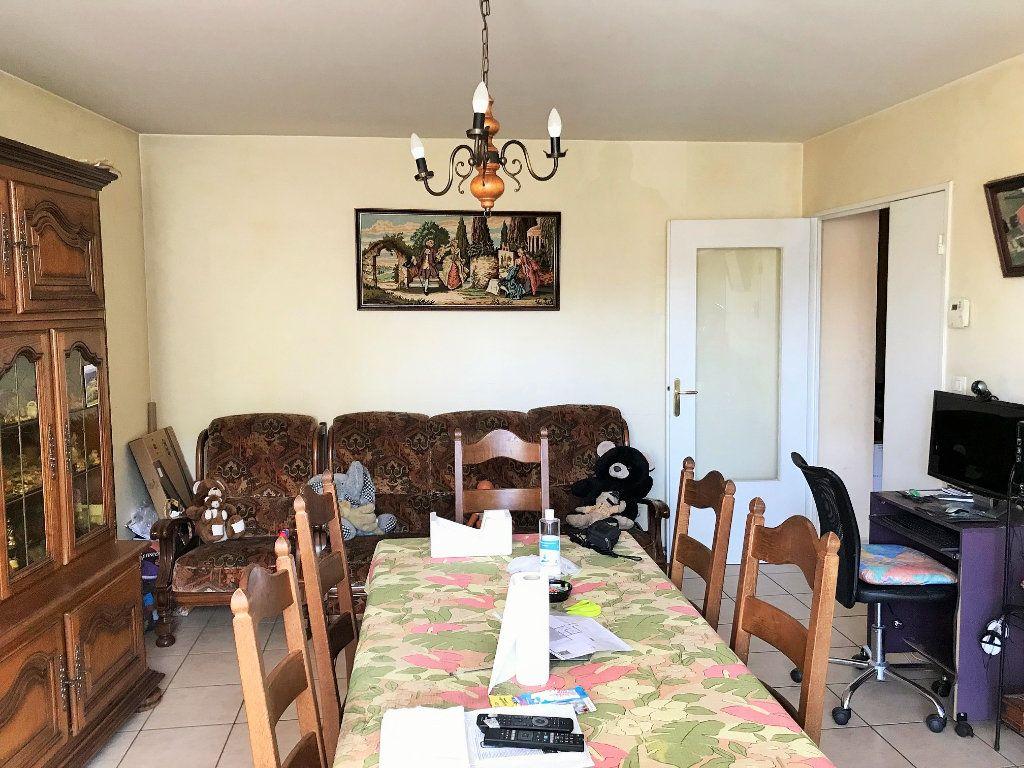 Appartement à vendre 3 67m2 à Lozanne vignette-4