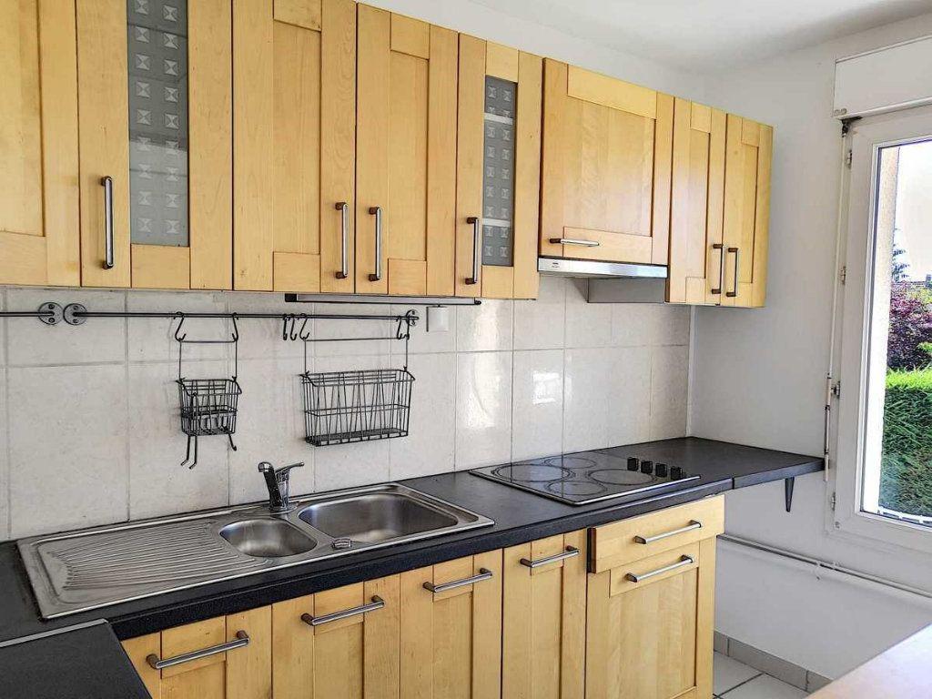 Appartement à louer 2 45m2 à Ozoir-la-Ferrière vignette-3