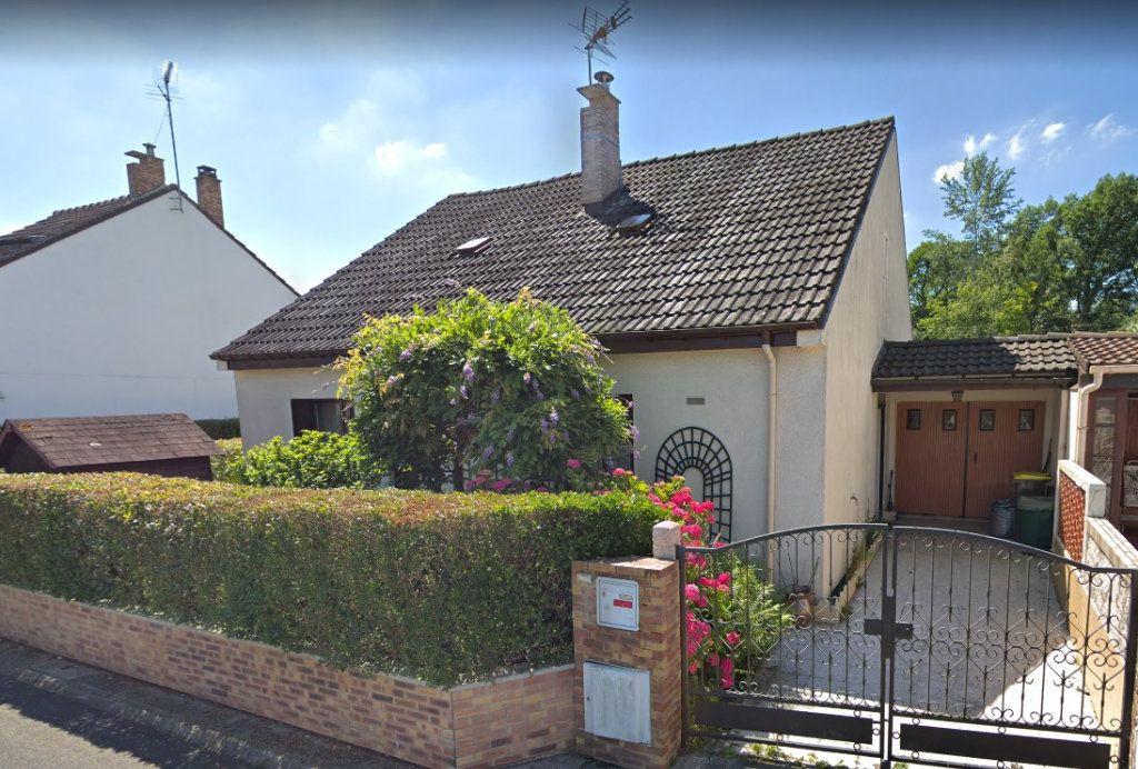Maison à vendre 6 120m2 à Roissy-en-Brie vignette-1