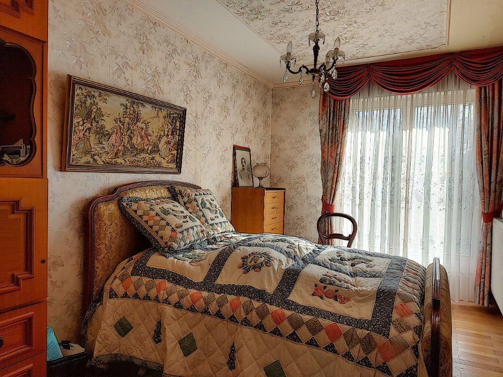 Maison à vendre 6 120m2 à Roissy-en-Brie vignette-5
