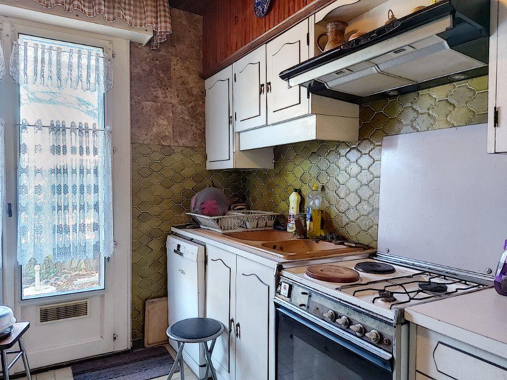 Maison à vendre 6 120m2 à Roissy-en-Brie vignette-8