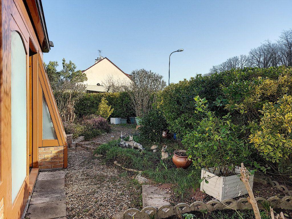 Maison à vendre 6 120m2 à Roissy-en-Brie vignette-9