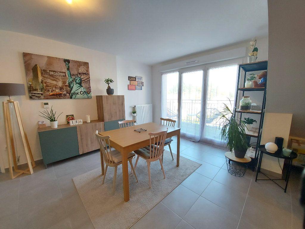 Appartement à louer 2 54m2 à Roissy-en-Brie vignette-2