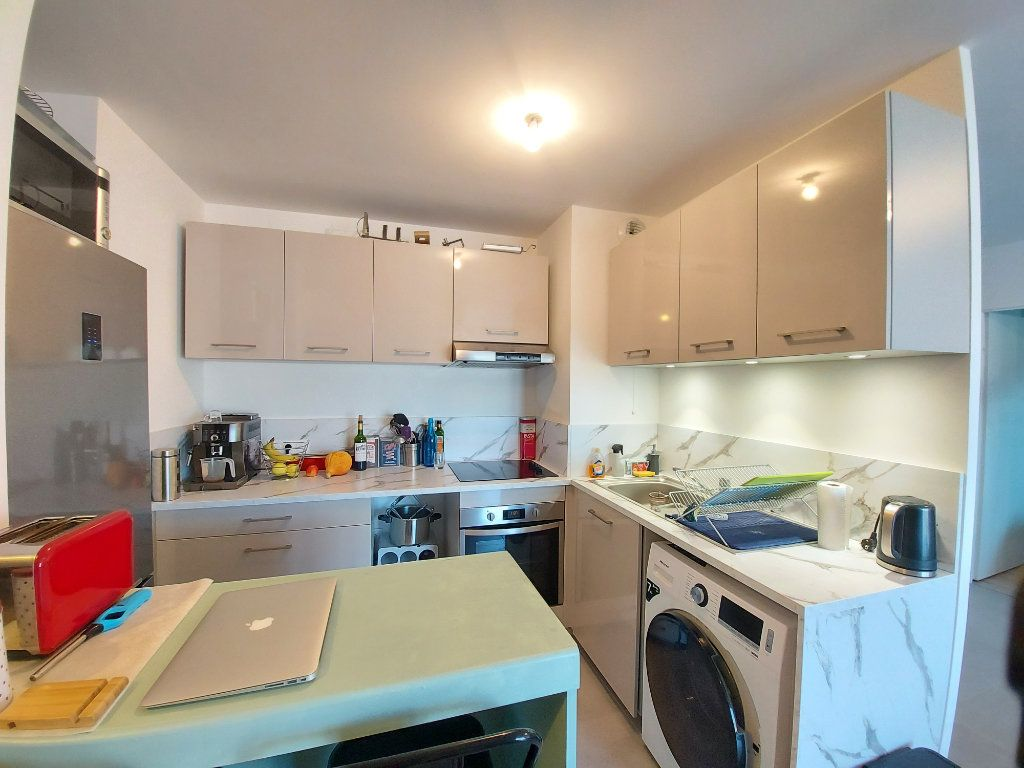 Appartement à louer 2 54m2 à Roissy-en-Brie vignette-5