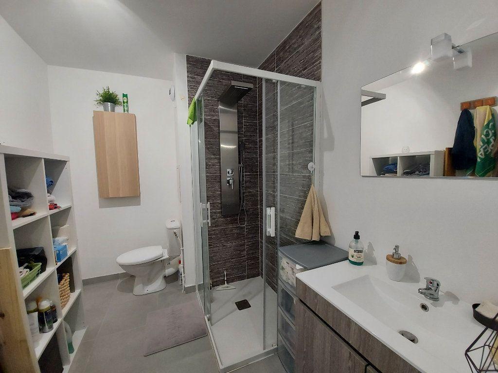 Appartement à louer 2 54m2 à Roissy-en-Brie vignette-6