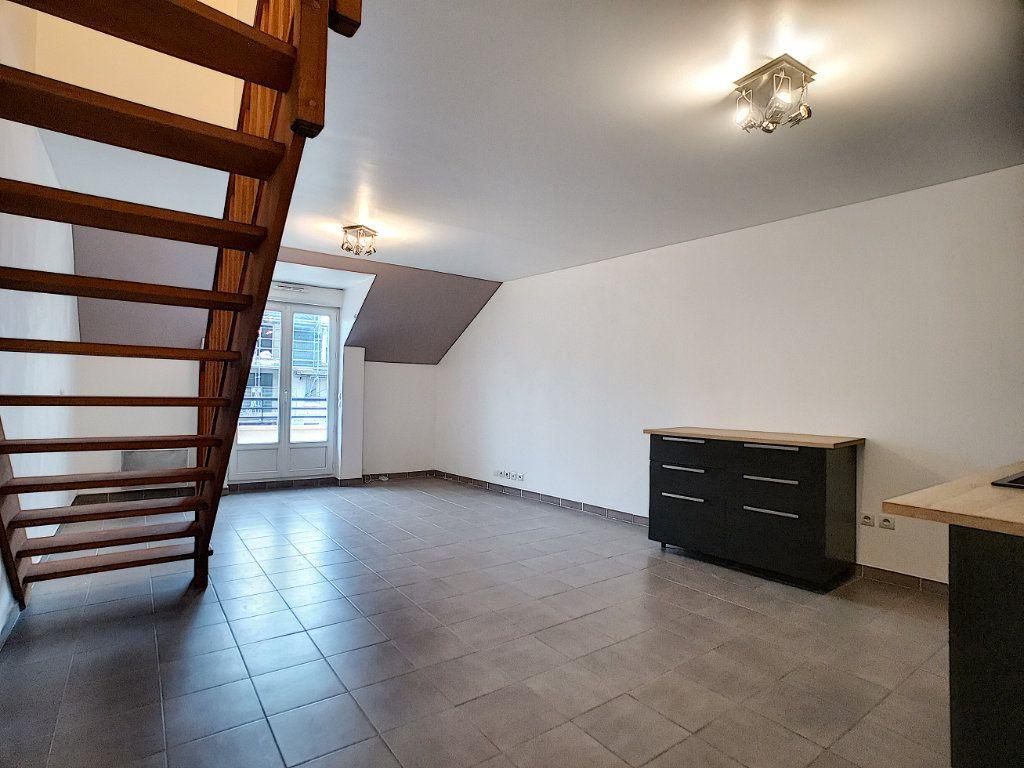 Appartement à vendre 2 51m2 à Gretz-Armainvilliers vignette-2