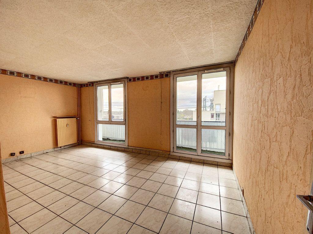 Appartement à vendre 3 67m2 à Roissy-en-Brie vignette-3