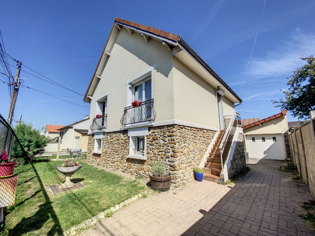 Maison à vendre 5 100m2 à Roissy-en-Brie vignette-1