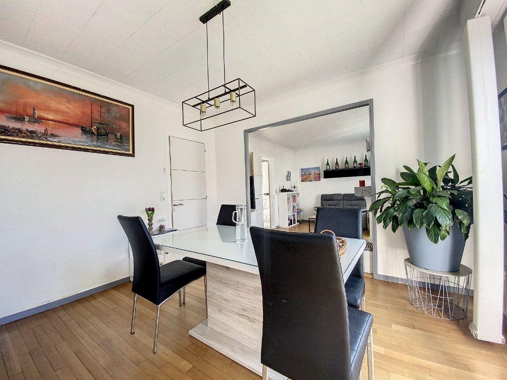 Maison à vendre 5 100m2 à Roissy-en-Brie vignette-2