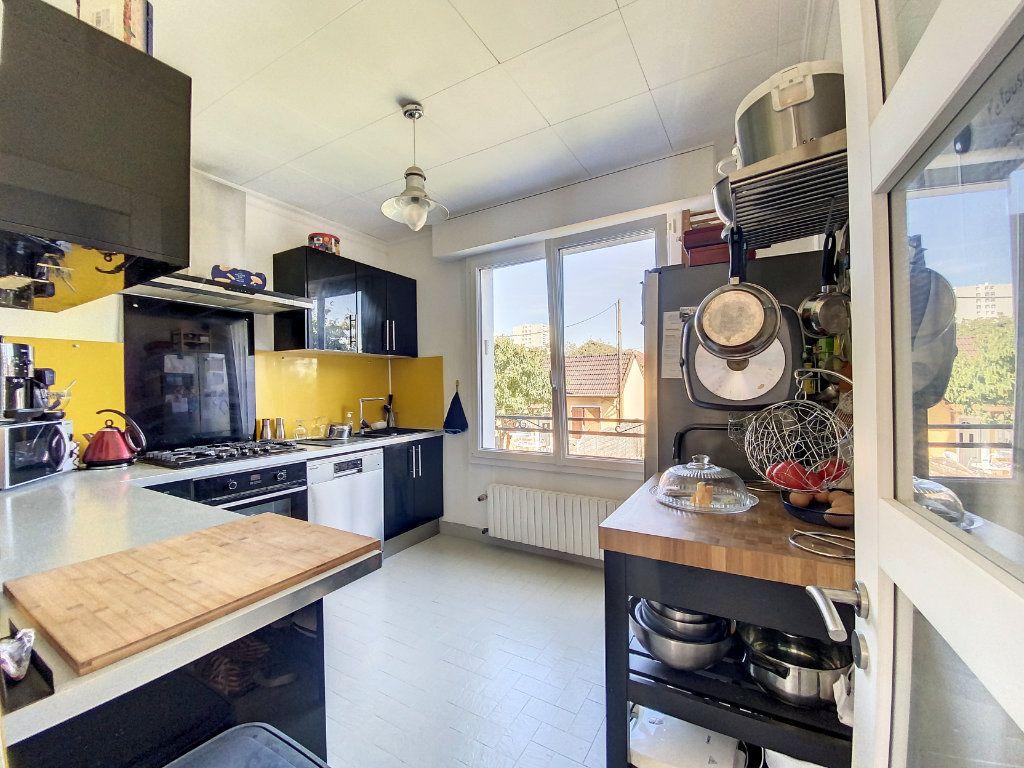 Maison à vendre 5 100m2 à Roissy-en-Brie vignette-4