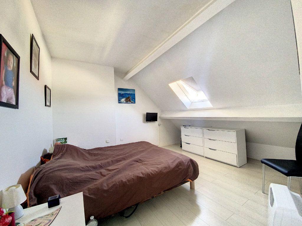 Maison à vendre 5 100m2 à Roissy-en-Brie vignette-7